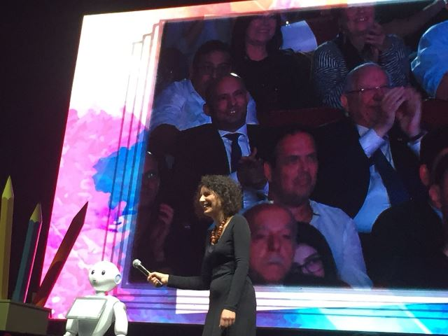 Dr. Shelly Levy-Tzedek presented her work to the President of Israel, Reuven Rivlin
