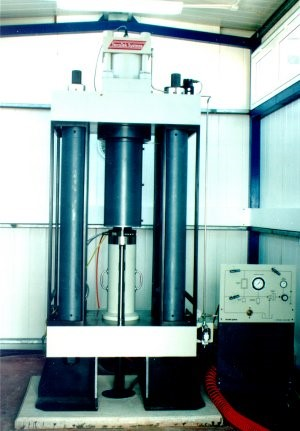 the triaxial system3.jpg
